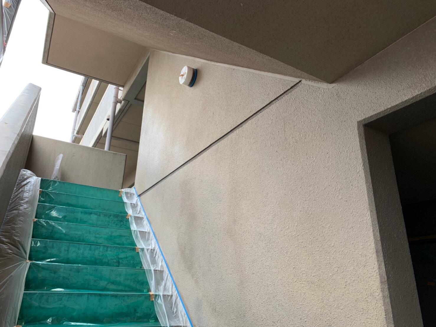 某マンション外壁塗装、天井塗装、ドア塗装